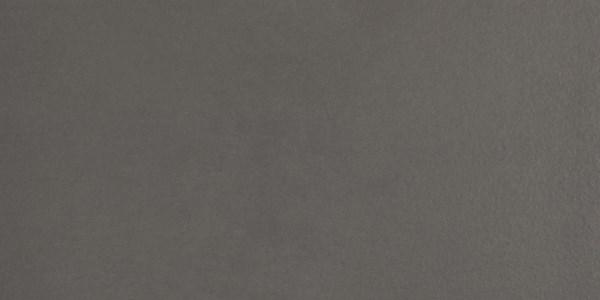 Robuuste vloertegel in de kleur grijs van Wilt u ook een keuken of badkamer met een 9+? Welkom bij DB KeukenGroep - DB Keukens